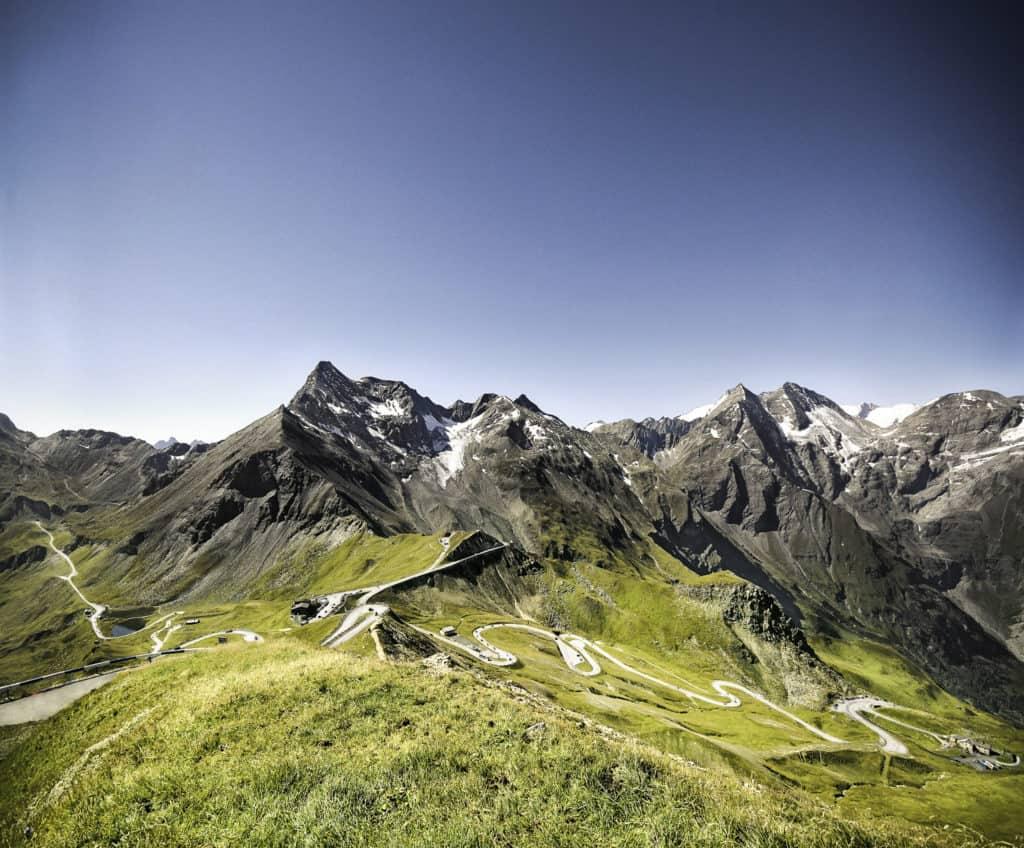 Die berühmte Großglockner Hochalpenstraße quer durch Österreichs Alpen