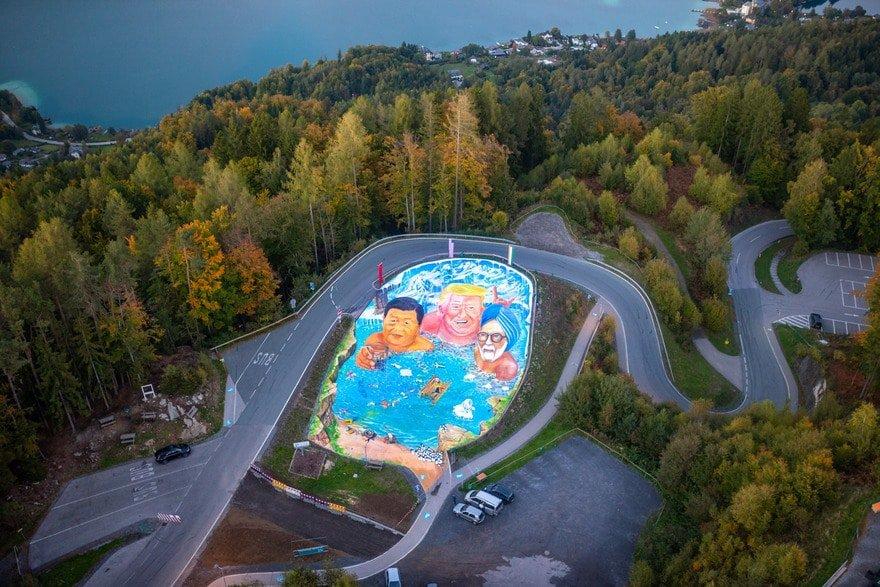 Sehenswertes Kunstprojekt am Pyramidenkogel am Wörthersee in Kärnten, Österreich