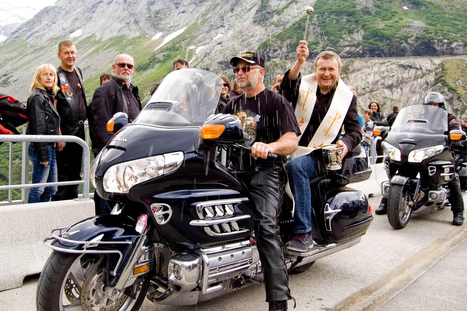 Biker auf der Kölnbreinsperre in Kärnten