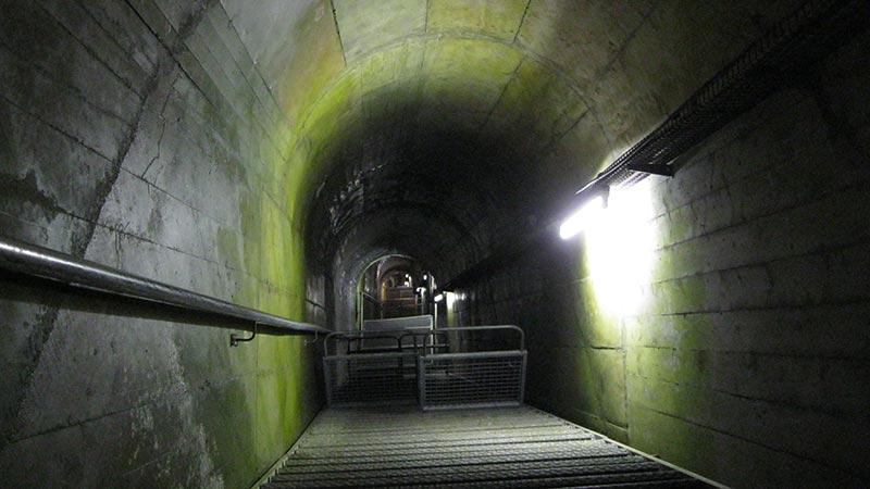 Staumauerführung ins Innere der Kölnbrein Talsperre bei der Malta Hochalmstraße