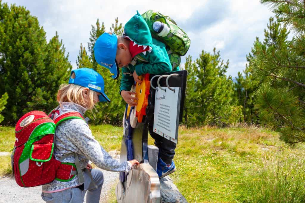 Kinder wandern im familienfreundlichen Urlaub auf der Turrach