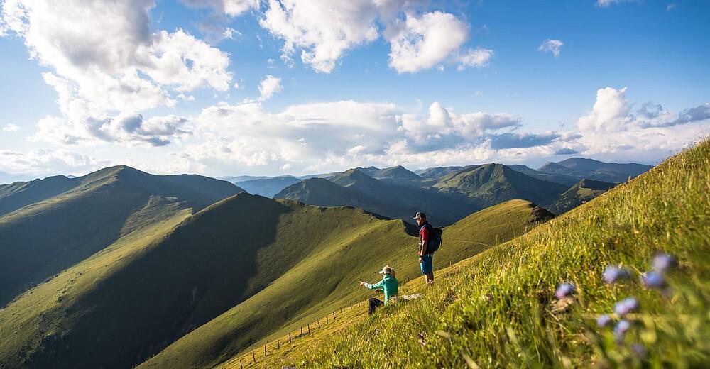 Sehenswürdigkeiten Nockberge Sommer Wanderer