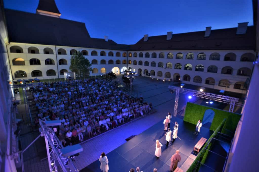 Heunburg Theater Aktivitäten Kultur Südkärnten