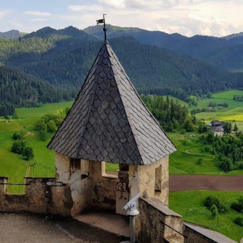 Wanderung und Ausflug auf Burg Hochosterwitz in Kärnten, Österreich. Aussichtspunkt.