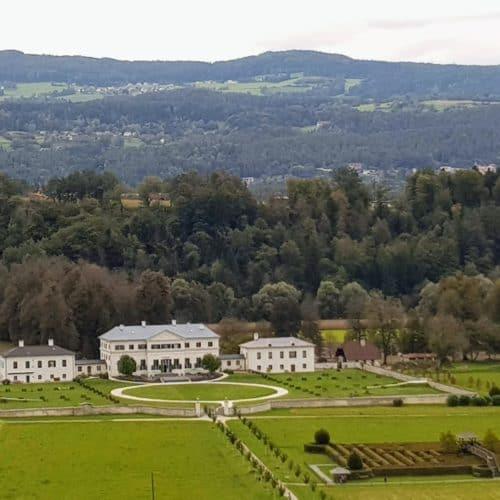Schloss & Labyrinth Rosegg in Kärnten, Österreich - Sehenswürdigkeit in der Carnica Region Rosental