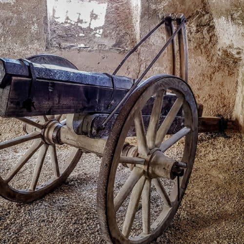 Ausstellungsstücke Burg Hochosterwitz Museum und Aufgang - Kanonenwagen