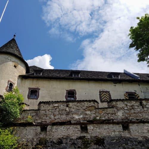 Aufgang auf die Burg Hochosterwitz - Sehenswürdigkeiten im Süden Österreichs.