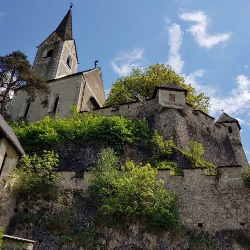 Burgkirche Ansicht Aufgang Wanderung auf Burg Hochosterwitz Kärnten