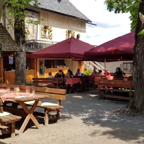 Burgrestaurant Burg Hochosterwitz - auch für Familienfeste, Feiern, Events usw. Beim Ausflug auf die Burg wird Kärntner Küche serviert.