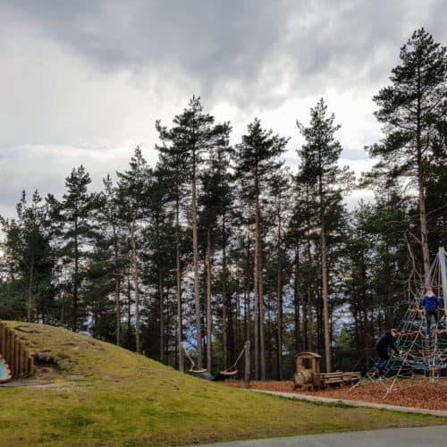familienfreundliche Ausflugsziele Kärnten: Der Kinderspielplatz am Pyramidenkogel