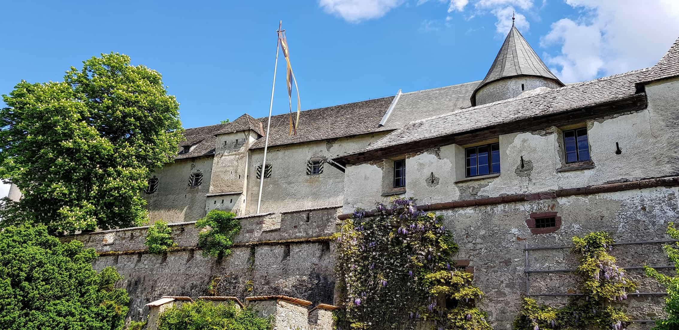 Führungen im Museum auf der Burg Hochosterwitz finden laufend statt und sind im Eintrittspreis inbegriffen.