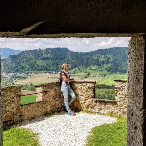 Impressionen Ausflug auf die Burg Hochosterwitz - Rastplatz mit Panorama-Sicht auf die Urlaubsregion Mittelkärnten.