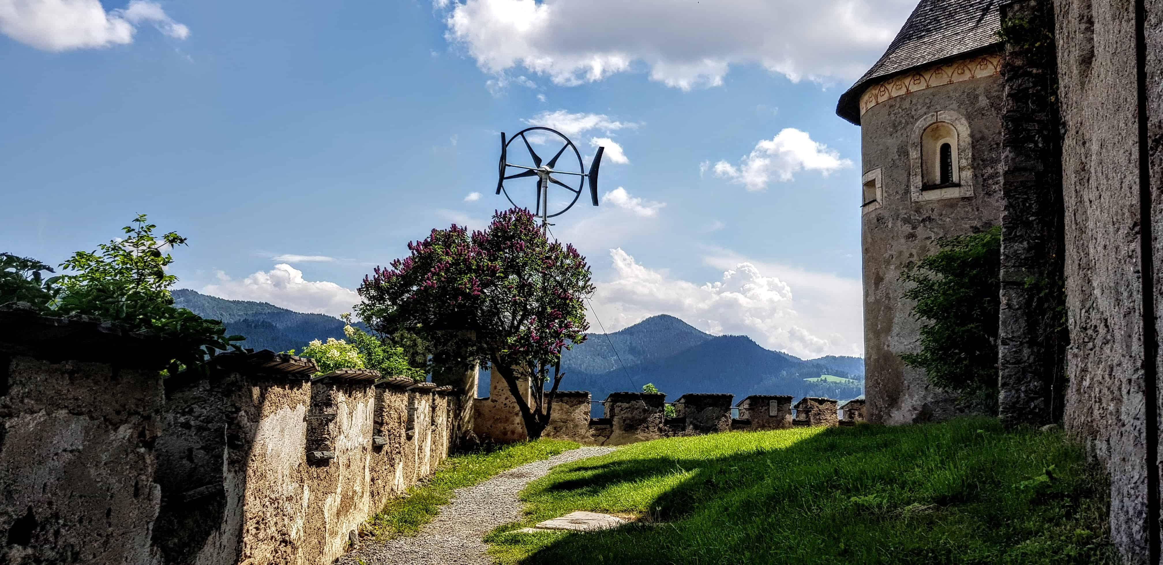 Schöner und abwechslungsreicher Aufgang für die ganze Familie auf die Burg Hochosterwitz in der Nähe von St. Veit und Klagenfurt.