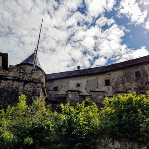 unterschiedliche Burgansichten, wenn man die Burg Hochosterwitz über den Fußweg erkundet. Foto: Kärntens TOP-10 Ausflugsziele