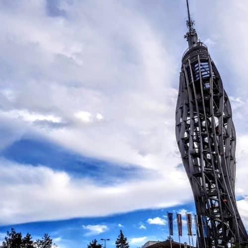 kinderfreundliche Ausflugsziele in Kärnten: Der Pyramidenkogel am Wörthersee mit Rutsche, Spielplatz uvm.