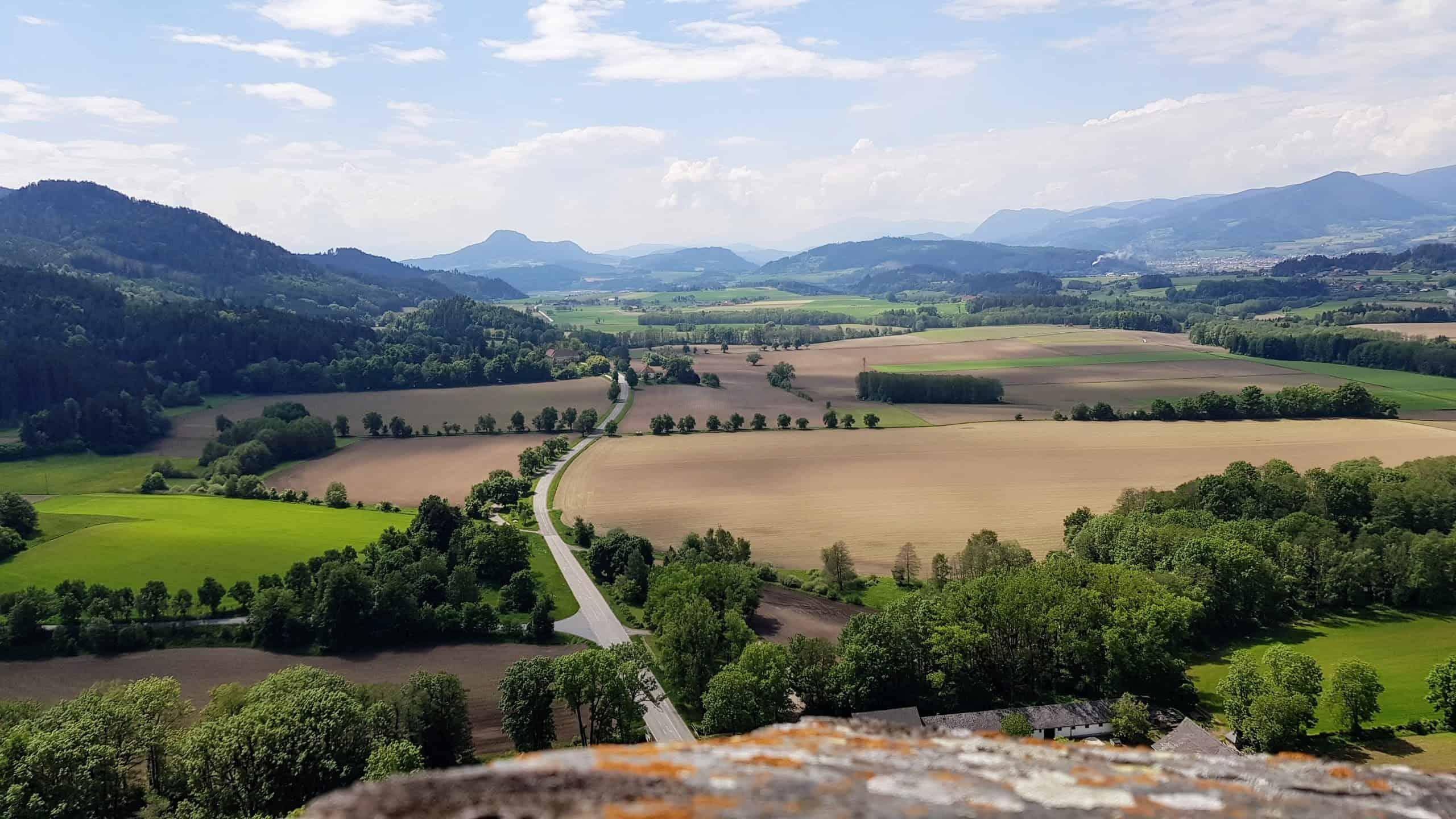 Kinderwagentaugliche Wanderung und barrierefreies Ausflugsziel Burg Hochosterwitz in Kärnten mit Museum, Burgrestaurant uvm. Aussicht