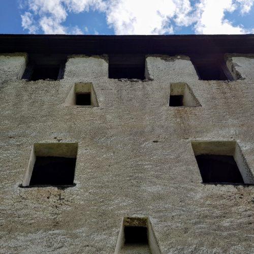 Burganlage Burg Hochosterwitz Kärnten bei familienfreundlicher und kinderfreundlicher Wanderung