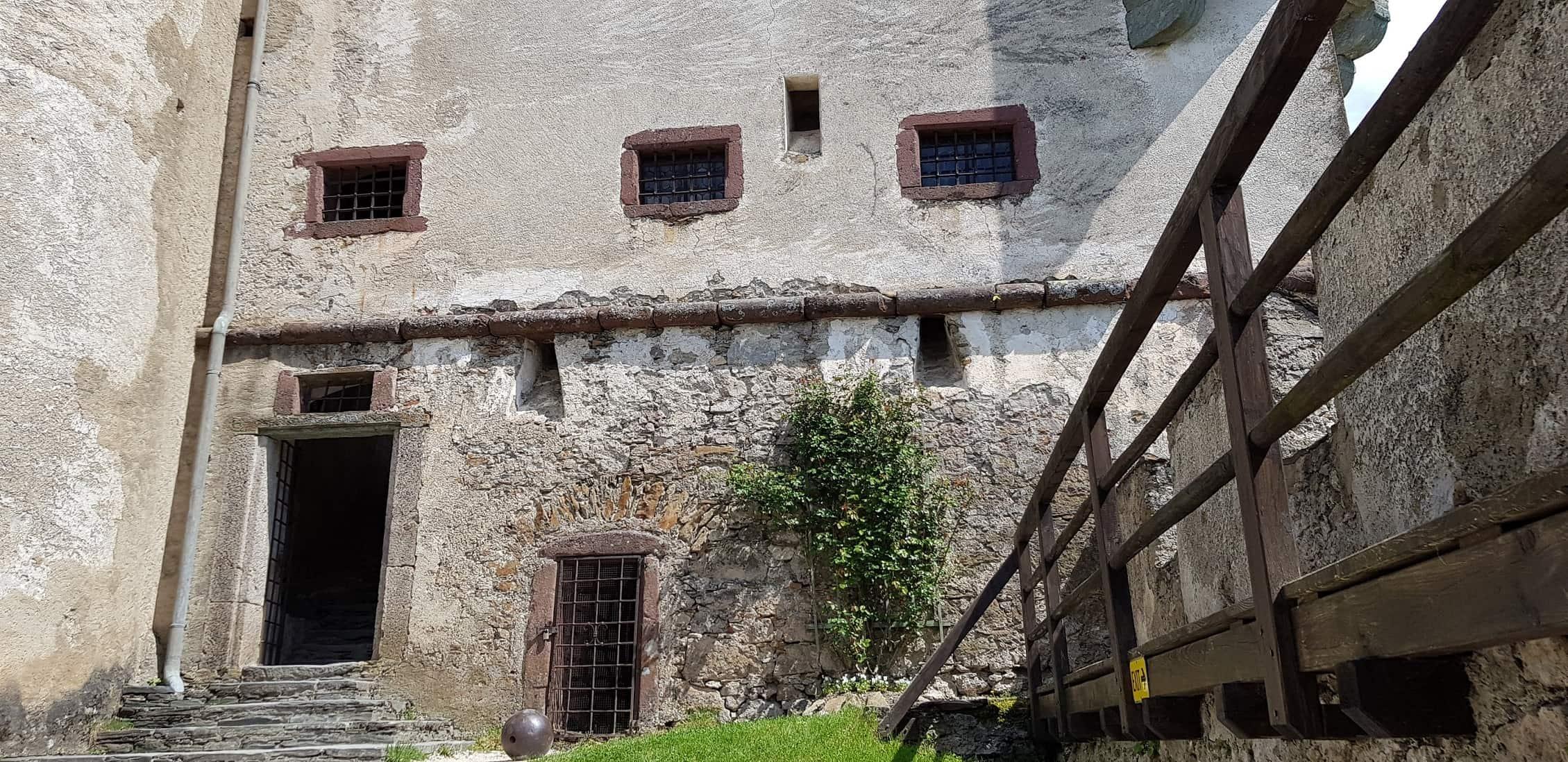 Mittelalterliche Mauern der Burg Hochosterwitz in Österreich - Mittelkärnten