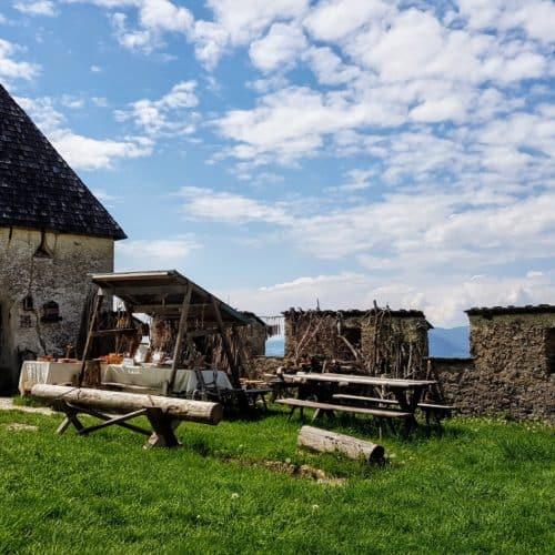 Erlebniswelt des mittelalterlichen Handwerks auf der Burg Hochosterwitz in Kärnten - TOP Ausflugsziele in der Nähe von Klagenfurt.