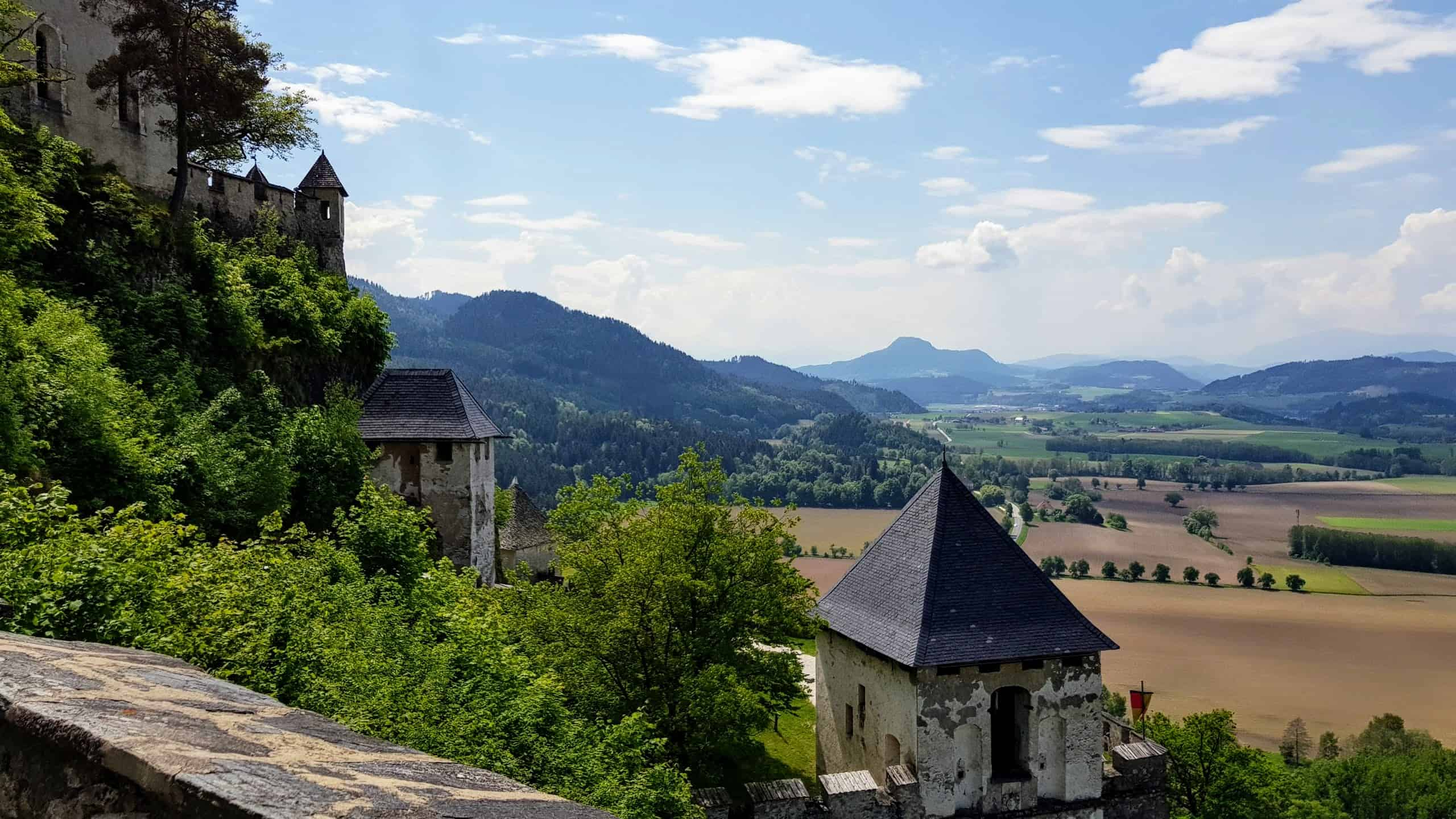 Panorama-Wanderung auf die Burg Hochosterwitz in Österreich