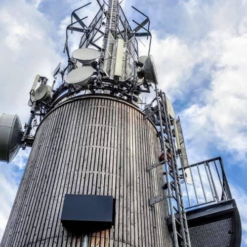 Die Spitze vom Pyramidenkogel Turm in Kärnten beim kinderfreundlichen Urlaub