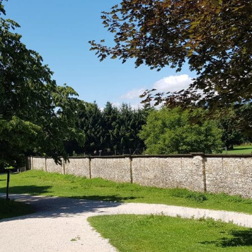 Rundgang historische Mauern Tierpark Rosegg Ausflug Kärnten