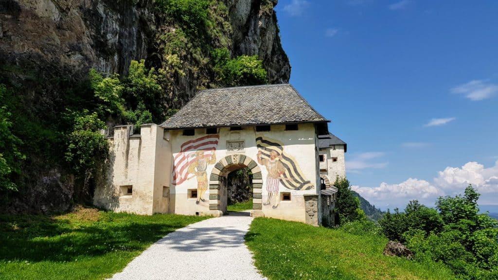 14 Tore auf die Burg Hochosterwitz - Start mit Fähnrichtstor