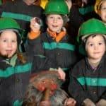 Kinder im Schaubergwerk Terra Mystica und Montana bei Villach in Bad Bleiberg - kinderfreundliche Stollenführung