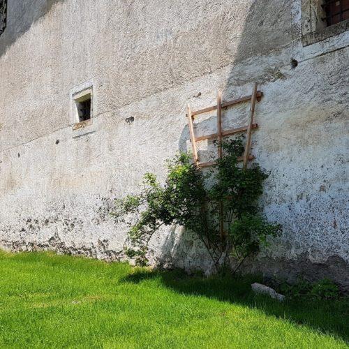 Wanderung auf die Burg Hochosterwitz - alte Mauern und Garten