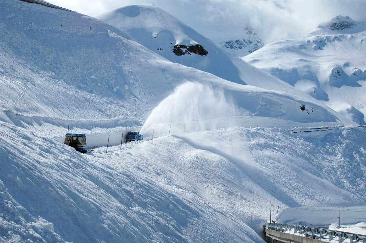 Winter Großglockner Hochalpenstraße Schneeräumung