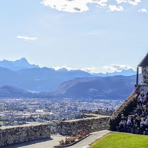 Aussicht Adlerarena Burg Landskron Flugschau Karawanken und Villach Blick