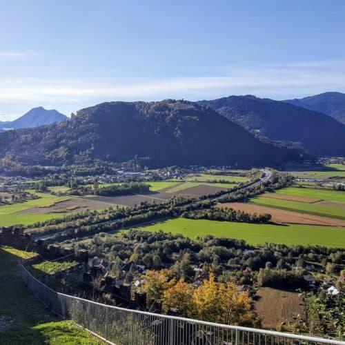 Aussicht Richtung Treffen bei Villach von Adlerarena Burg Landskron
