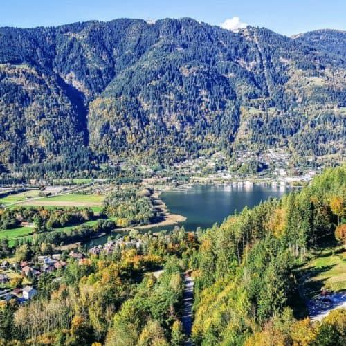 Blick auf Ossiacher See und Gerlitzen Alpe von Adlerarena Landskron Kärnten