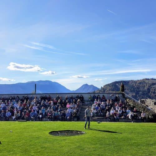 Flugschau Adlerarena Burg Landskron im Sommer Kärnten