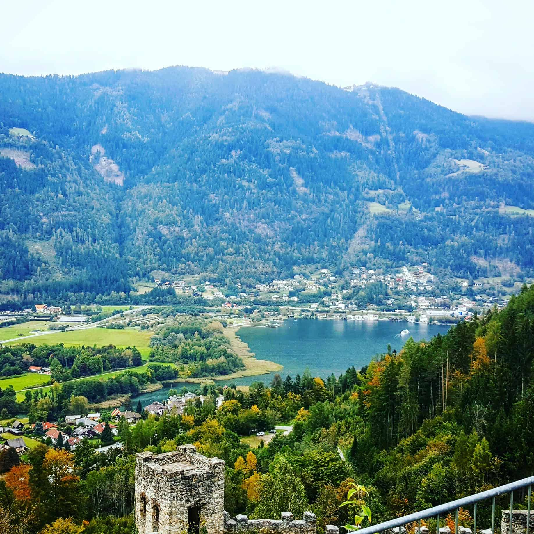 Herbst Ossiacher See Gerlitzen Adlerarena Burg Landskron