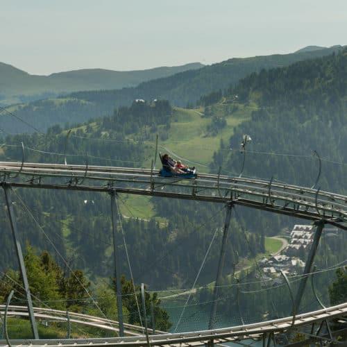 Die ganzjährig geöffnete Rodelbahn Nocky Flitzer auf der Turracher Höhe in Kärnten - Österreich