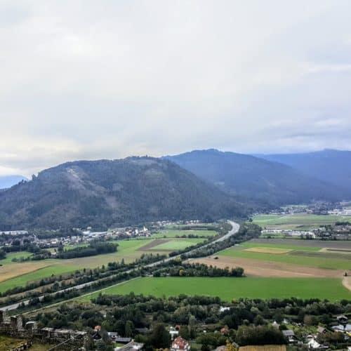 Panorama Blick Adlerarena Burg Landskron Richtung Treffen bei Villach Kärnten