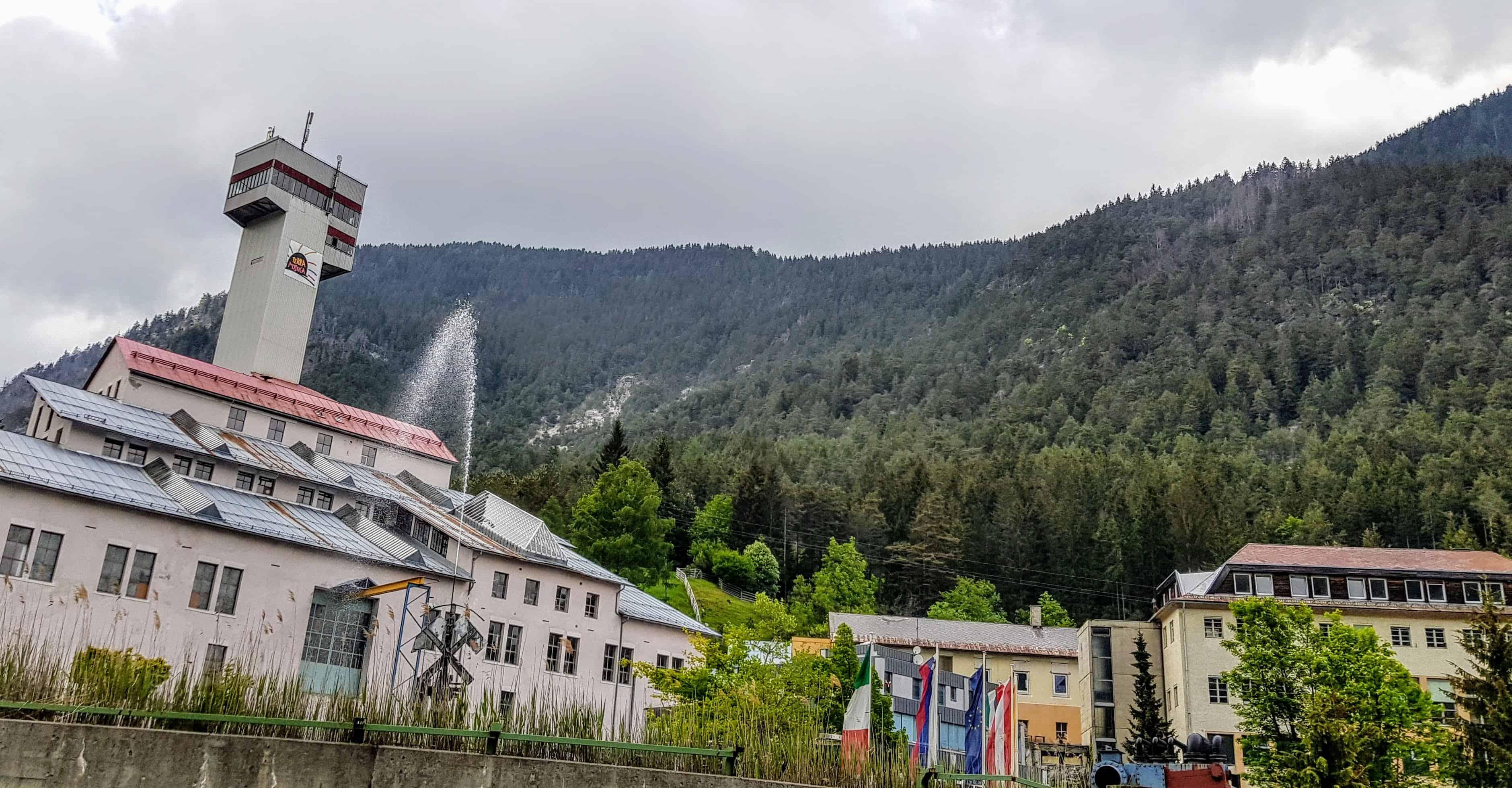 Das sehenswerte Schaubergwerk Terra Mystica in Bad Bleiberg bei Villach - Gebäude von außen