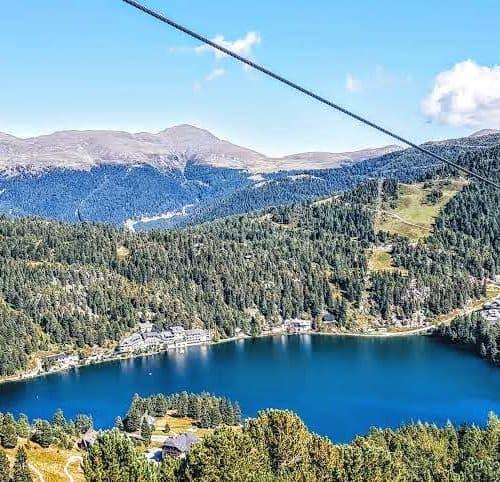 Turracher See als Ausflugstipp in der Region Nockberge bei der Grenze Kärnten und Steiermark auf der Turrach - Österreich