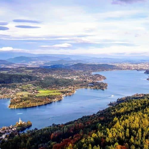 Ausflugsziele Kärnten: Pyramidenkogel im Herbst - Wörthersee Urlaub mit Blick auf Klagenfurt, Krumpendorf und Maria Wörth