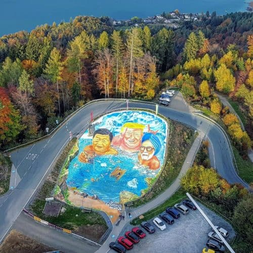 3D-Kunst von Gregor Wosik beim Pyramidenkogel am Wörthersee in Kärnten - Klimaschutzprojekt. Sehenswert bei Österreich-Urlaub
