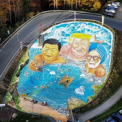 Kunstprojekt in Kärnten beim Pyramidenkogel für Klimaschutz und gegen Plastikmüll in Weltmeeren. Ausflugsziel bei Wörthersee Urlaub