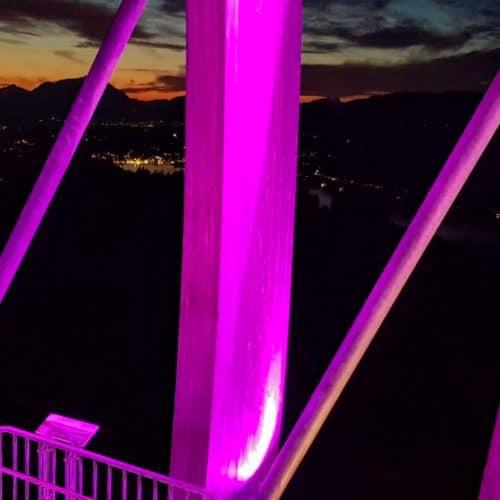 Abendliche Aussicht am Pyramidenkogel - Blick Richtung Velden am Wörthersee in Kärnten, Österreich