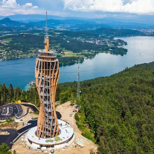 Pyramidenkogel in Kärnten am Wörthersee. Sehenswürdigkeit in Österreich