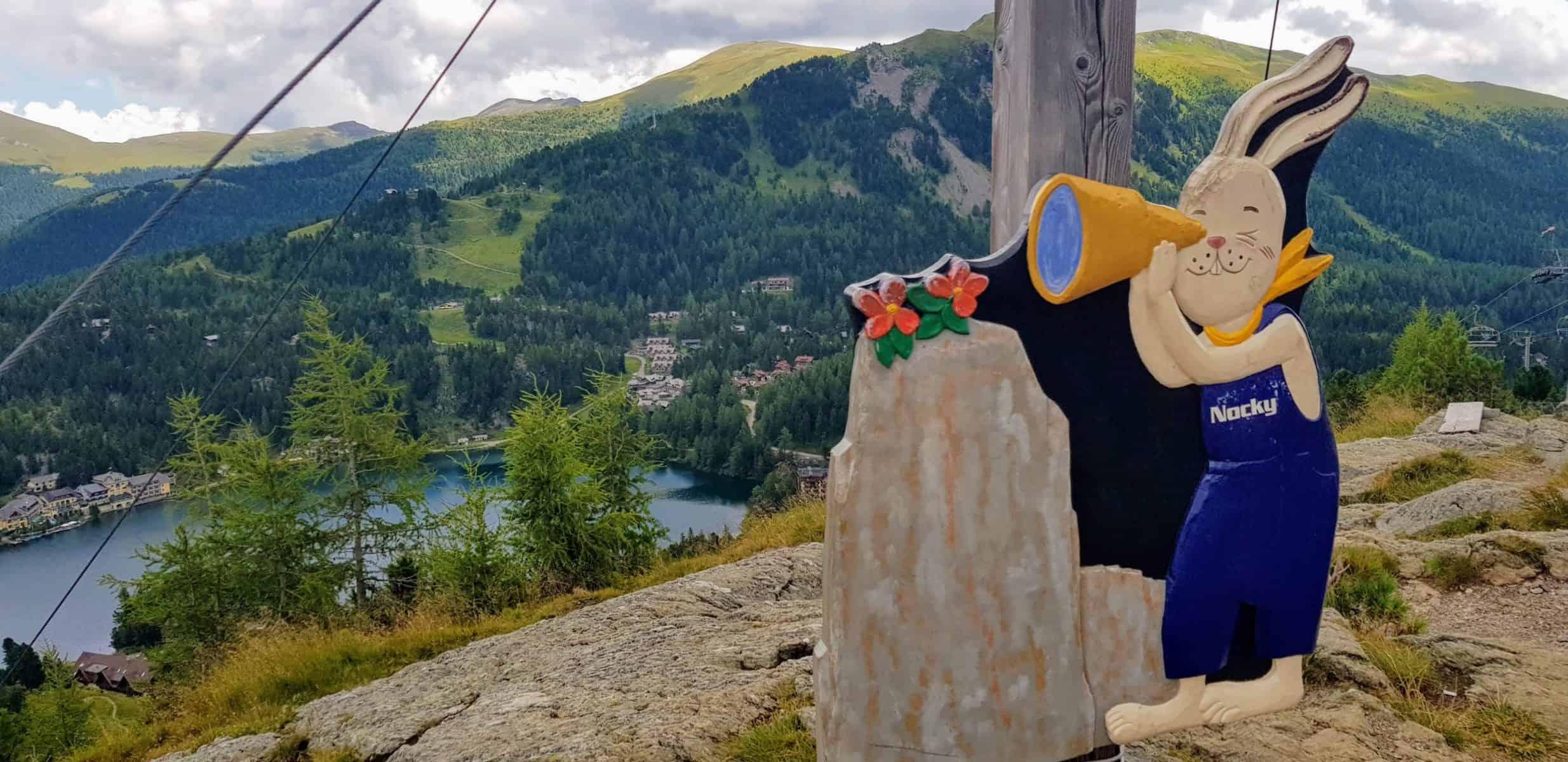 Ausflugsziele Kärnten Wandern auf der Turracher Höhe mit Blick auf Turracher See bei Panoramabahn