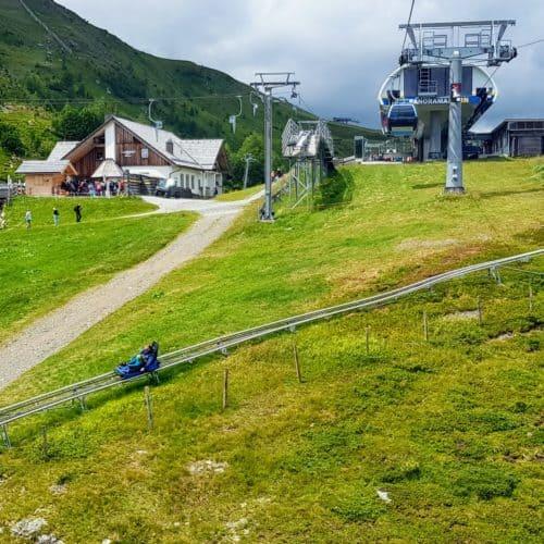 Panoramabahn Turracher Höhe mit Rodelbahn Nocky Flitzer, Kinderspielplatz Nockys Almzeit und Hütte