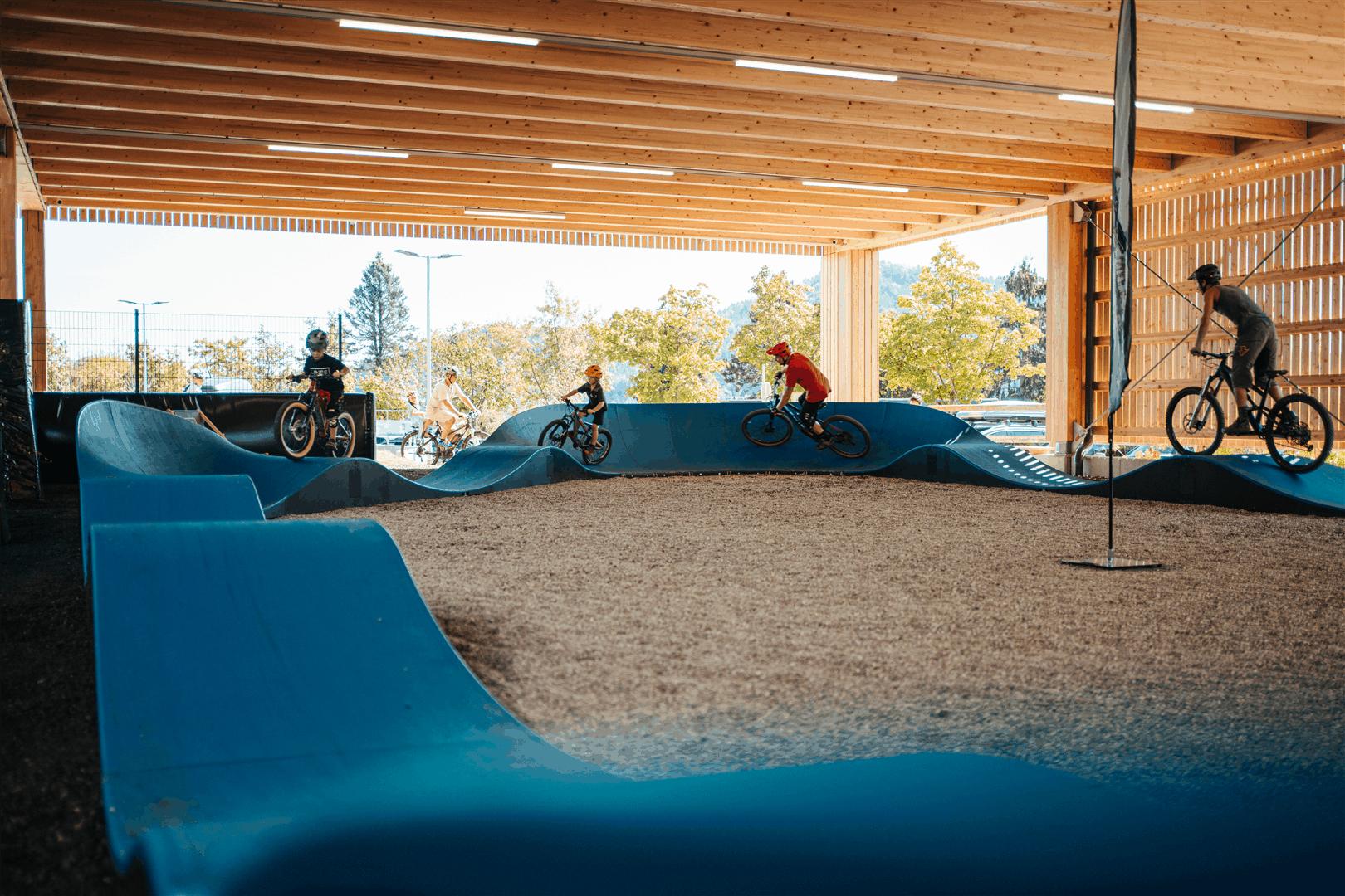 Aktivitäten Villach Faaker See Ausflugsziel Pumptrack Biken Kärnten