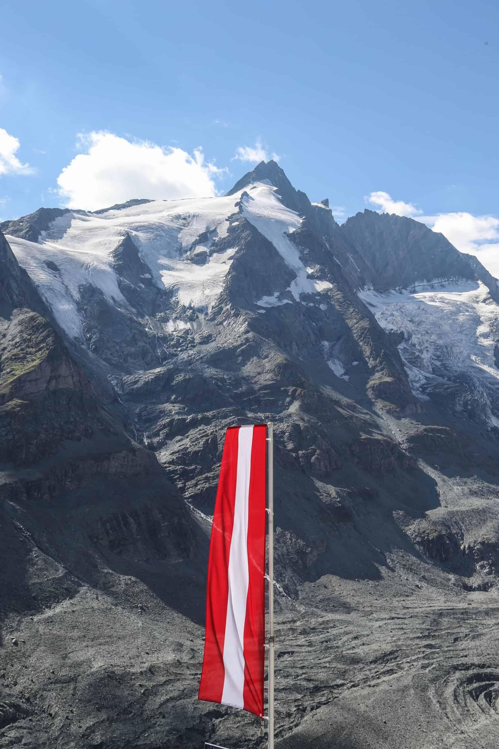 Der Großglockner im Nationalpark Hohe Tauern in den Bundesländern Kärnten & Tirol in Österreich
