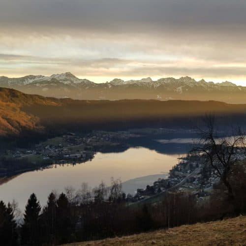 Ossiacher See mit Karawanken und Julische Alpen - Winterwandern in Kärnten