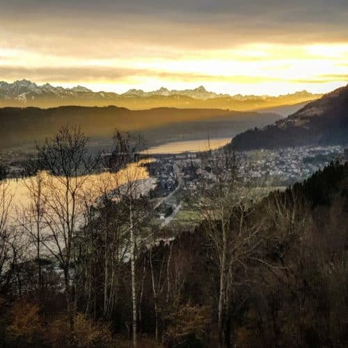 Winter wandern Region Villach über Ossiacher See mit Blick auf Bodensdorf & Steindorf in Kärnten